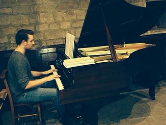 Stuart A - Piano, Double Bass, Composition & Music: academic tutor near Gateshead, Tyne and Wear.